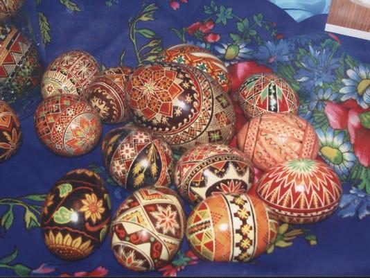 dc04_c01_easter eggs