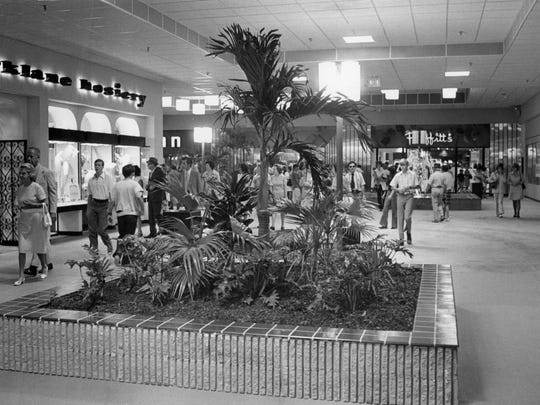 Shoppers browse the newly opened West Town Mall on Aug. 2, 1972.