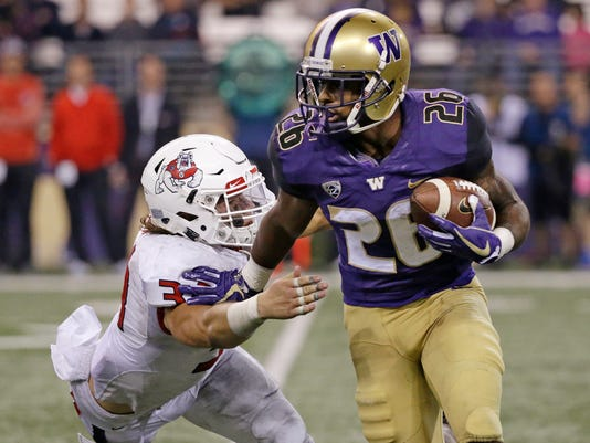 Washington's_Running_Duo_Football_32886.jpg