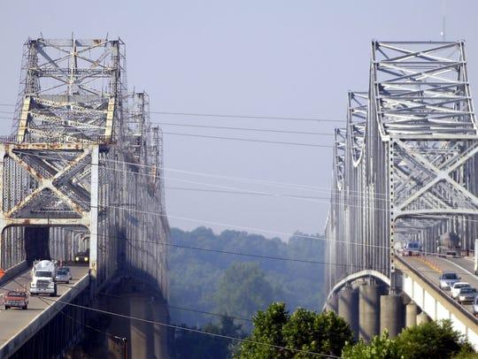 The twin bridges between Henderson and Evansville.