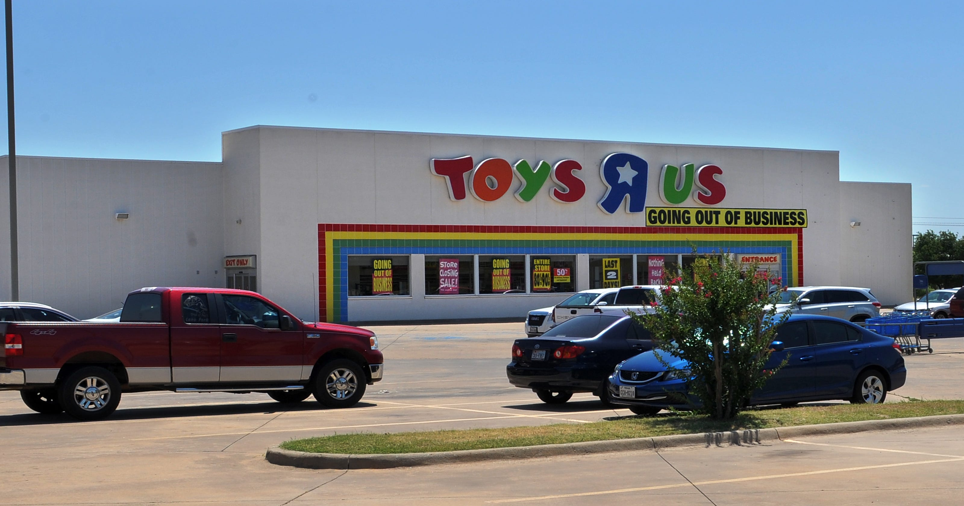 end of an era toys r us and babies r us stores now closed. Black Bedroom Furniture Sets. Home Design Ideas