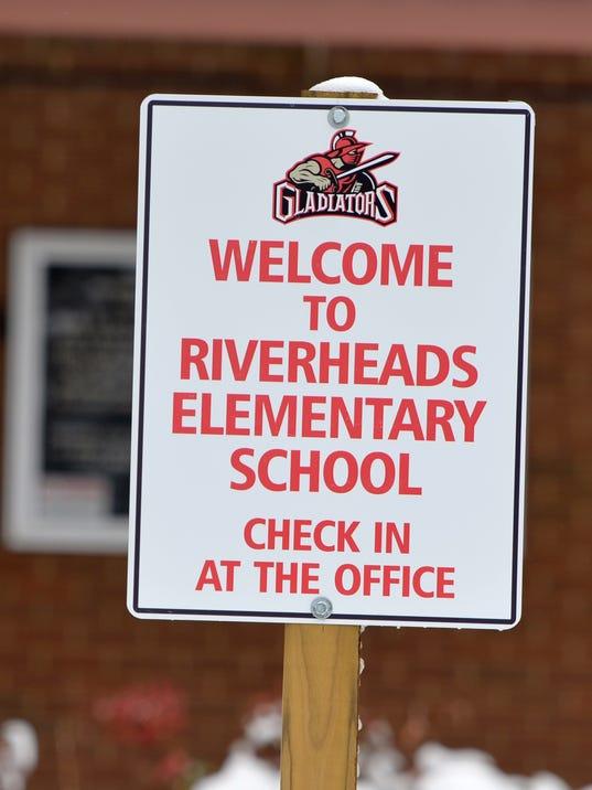RiverheadsElementarySchool1.JPG