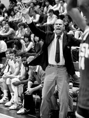 David Lipscomb College head coach Don Meyer barks instructions to this players during their 112-84 victory over Fisk University Nov. 25, 1986 to give Coach Meyer his 300th career victory in his 15th season of coaching. He has a record of 300-150.