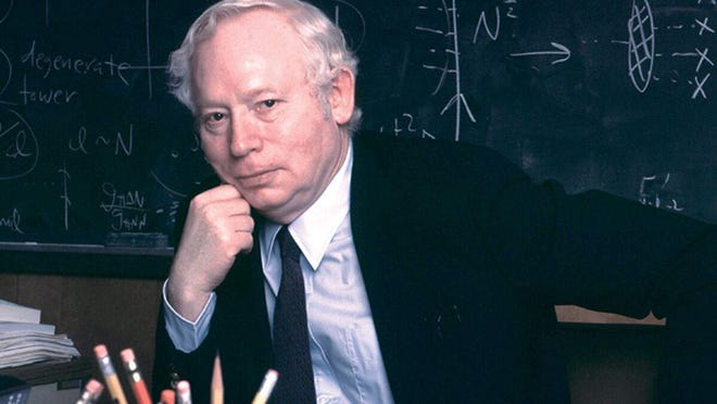 UT physics professor Steven Weinberg was awarded the 2020 Special Breakthrough Prize in Fundamental Physics.