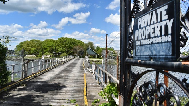 Zoning changes needed to convert the former Pleasure Island to Seacreast Island failed to pass at Swansea's Town Meeting Monday.