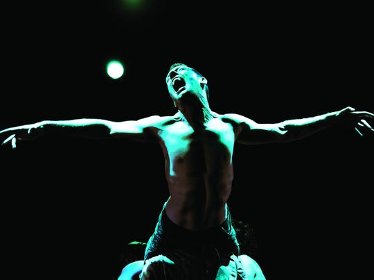 "PUSH Physical Theatre's ""Dracula"" combines speechless"