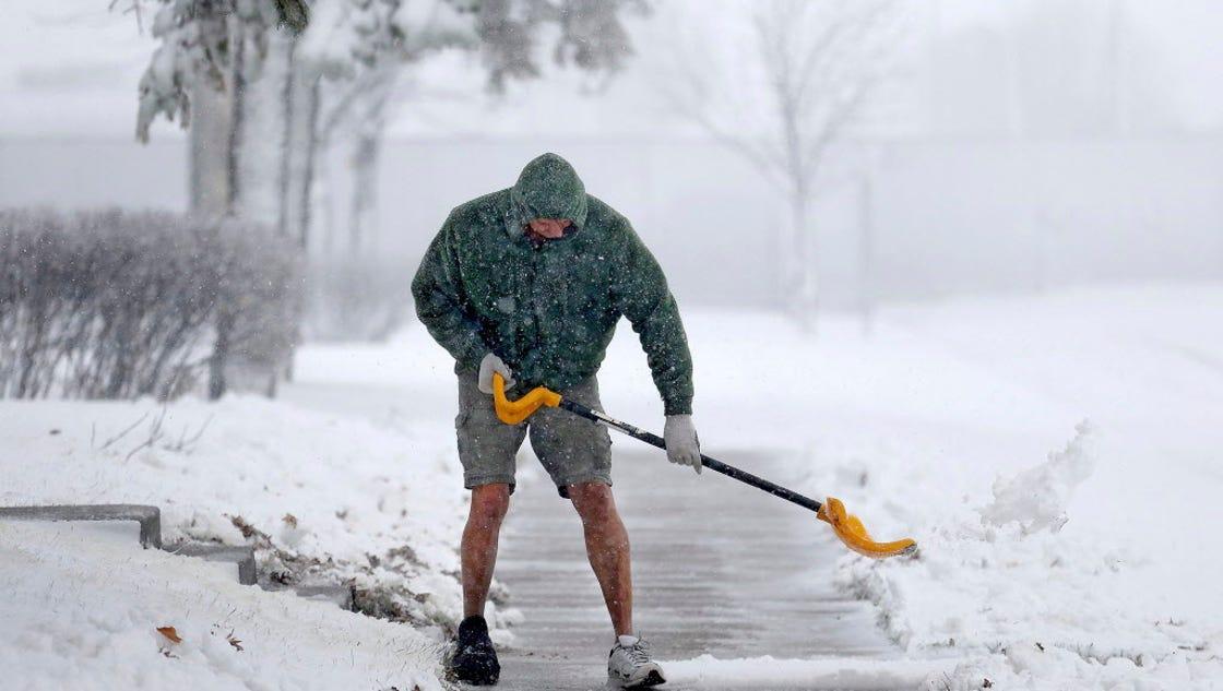 big snowfall forecast to hit northeast u s. Black Bedroom Furniture Sets. Home Design Ideas