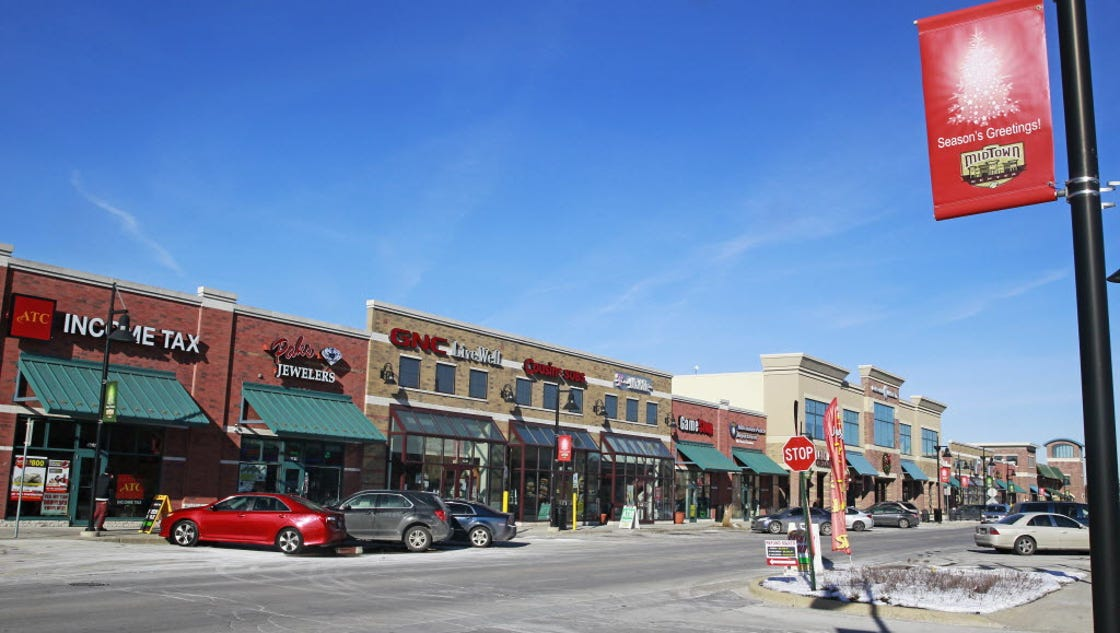 Milwaukee Information Center. This Milwaukee Outlet Stores page and the Milwaukee Information Center exists to let you know about some of the excellent choices for experiencing more of Milwaukee.