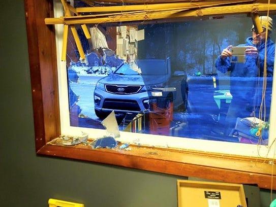 cash stolen from humane society window smashed. Black Bedroom Furniture Sets. Home Design Ideas