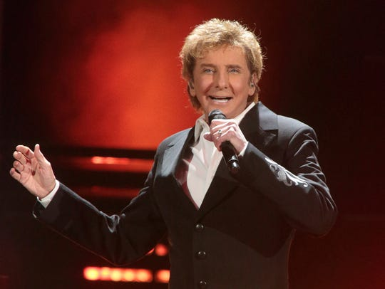 """Barry Manilow performs in concert during his """"One Last"""