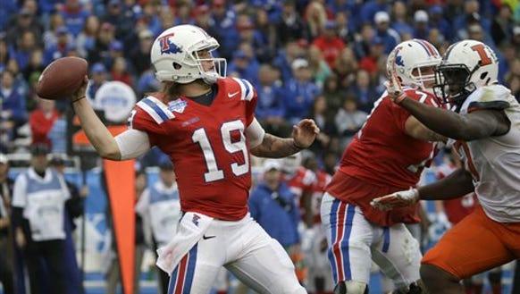 Louisiana Tech quarterback Cody Sokol (19) throws a