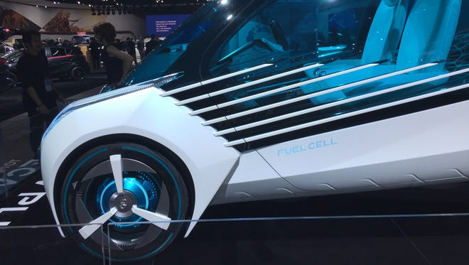 Hydrogen fuel cell-powered Toyota FCV Plus