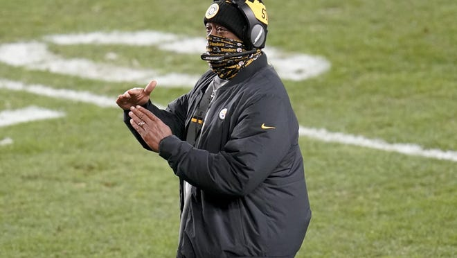 Pittsburgh Steelers head coach Mike Tomlin calls a timeout during the first half of Monday's game against the Washington Football Team in Pittsburgh. The Steelers lost 23-17 in the team's first defeat on the season.