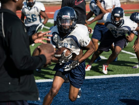 September 06, 2017 - Action from Kirby High School's