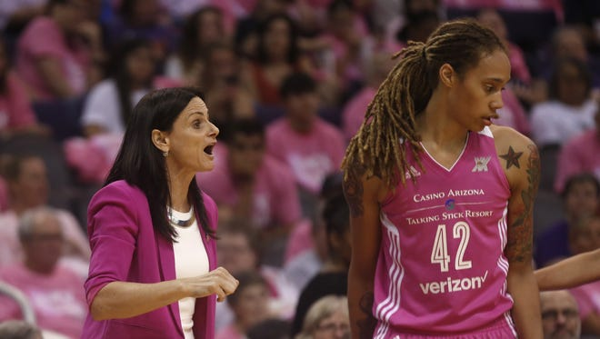 Mercury head coach Sandy Brondello talks to her team and Brittney Griner (42) during a game against the Stars at Talking Stick Resort Arena on July 16, 2016 in Phoenix, Ariz.
