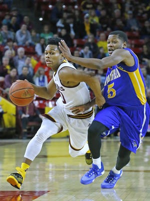 Arizona State Sun Devils guard Tra Holder (0) works against Cal State Bakersfield Roadrunners guard Dedrick Basile (5) during the first half of their NCAA basketball game Monday, Dec. 28, 2015 in Tempe, AZ.