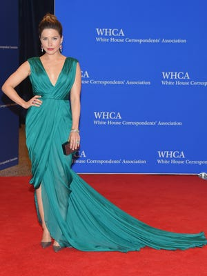 WASHINGTON, DC - APRIL 25:  Sophia Bush attends the 101st Annual White House Correspondents' Association Dinner at the  Washington Hilton on April 25, 2015 in Washington, DC.  (Photo by Michael Loccisano/Getty Images) ORG XMIT: 548039211 ORIG FILE ID: 471142752