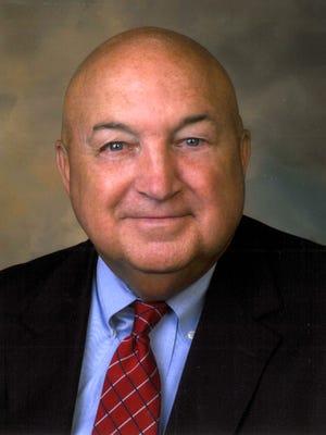 Pat Donahue, Methodist Hospital Union County Vice President/Administrator, announces retirement plans