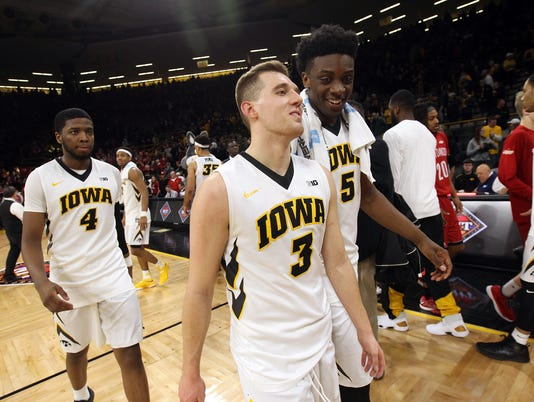 636252166025043028-IOW-0315-Iowa-vs-South-Dakota-14.jpg