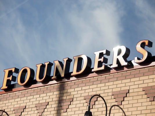 636479742283221241-Founders-120117-03-MW.jpg