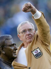 Former Green Bay Packers manager Ron Wolf acknowledges