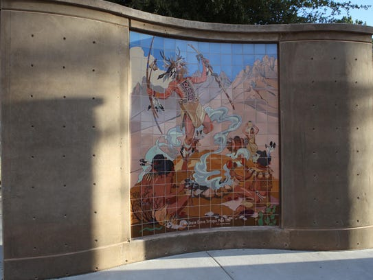 The current La Entrada monument is a re-imagination of the previous, using original tiles from Las Cruces' sister city Lerdo, Durango, Mexico.