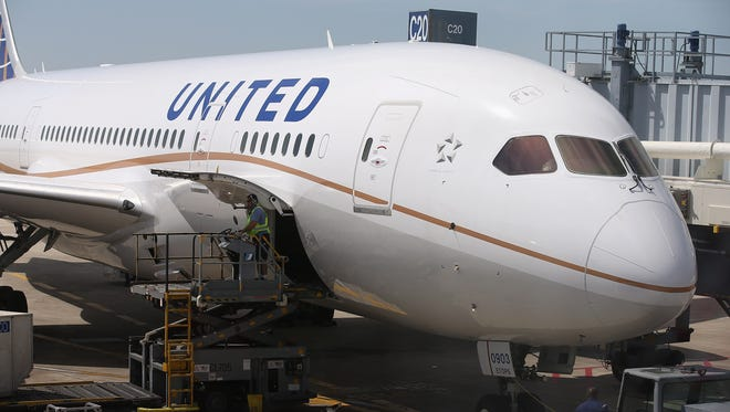 A United Airlines Boeing 787-8 Dreamliner at Chicago O'Hare on May 20, 2013.