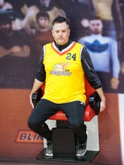 """Ross Mathews plays the HOH Competition """"Courtside Seats"""""""