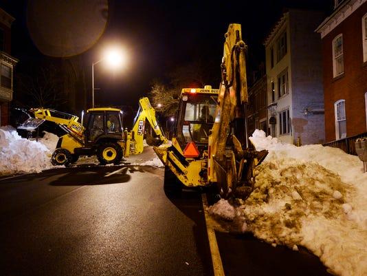 YDR-KP-012616-night-snow