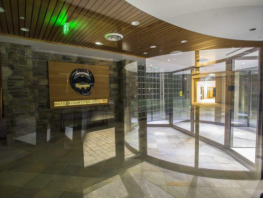 The lobby of the Q Burke Hotel and Conference Center