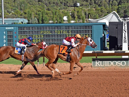 D E Lover (#7) was successful in his only Ruidoso Downs'