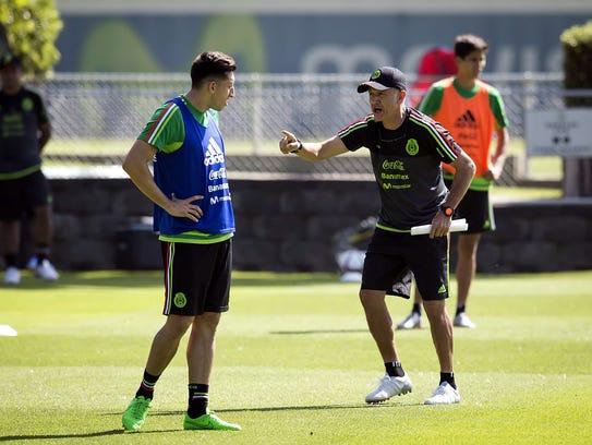 Juan Carlos Osorio dirigirá su primer partido al frente