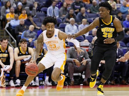 NCAA_Tennessee_Iowa_Basketball_48414.jpg