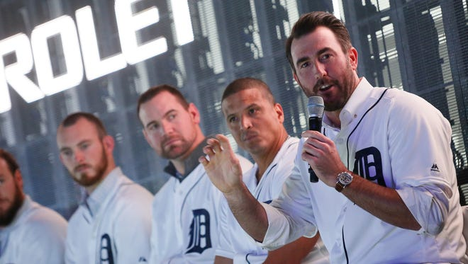 Justin Verlander of the Detroit Tigers answers questions from the audience at the Chevrolet exhibit at the North American International Auto Show during the Tigers 2016 winter caravan Friday, Jan. 22, 2016.