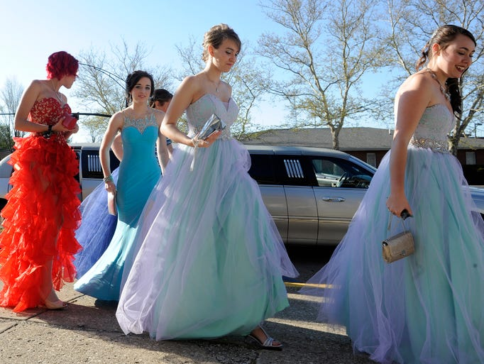 Licking Heights High School celebrated prom on Friday
