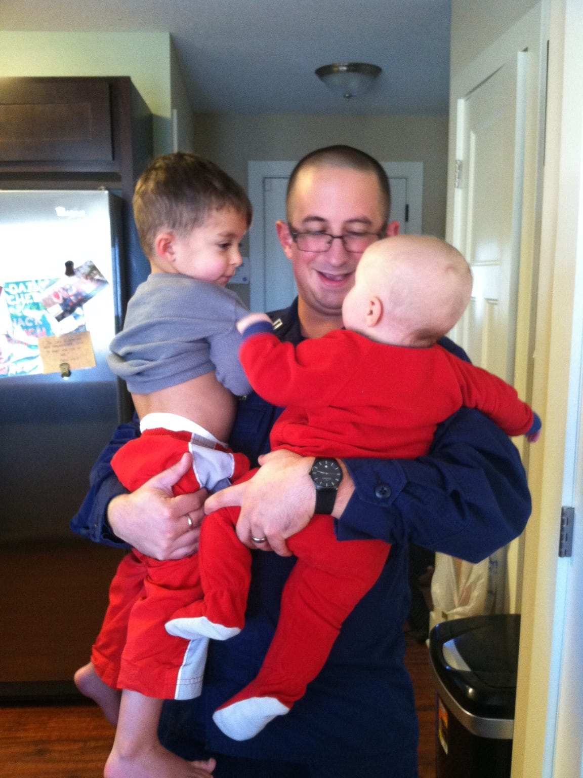 Chris Snyder is reunited with his two sons Noah and