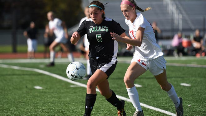 Lauren Hussey (5) and Pascack Valley are in first place in the Big North National Division.