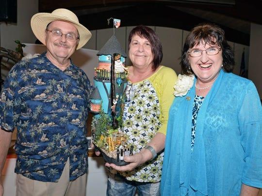 Carl & Kathryn Hensley with Artist Debi Crouse (center)