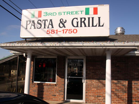 An exterior view of 3rd Street Pasta and Grill in Ozark,