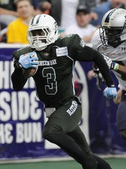 B.J. Hill (3), shown returning a kickoff for a touchdown against the Reading Express in 2012, played four seasons for the Green Bay Blizzard and received a tryout from Packers in 2013.
