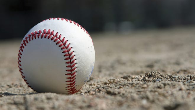Fowlerville swept a twinbill from Williamston.
