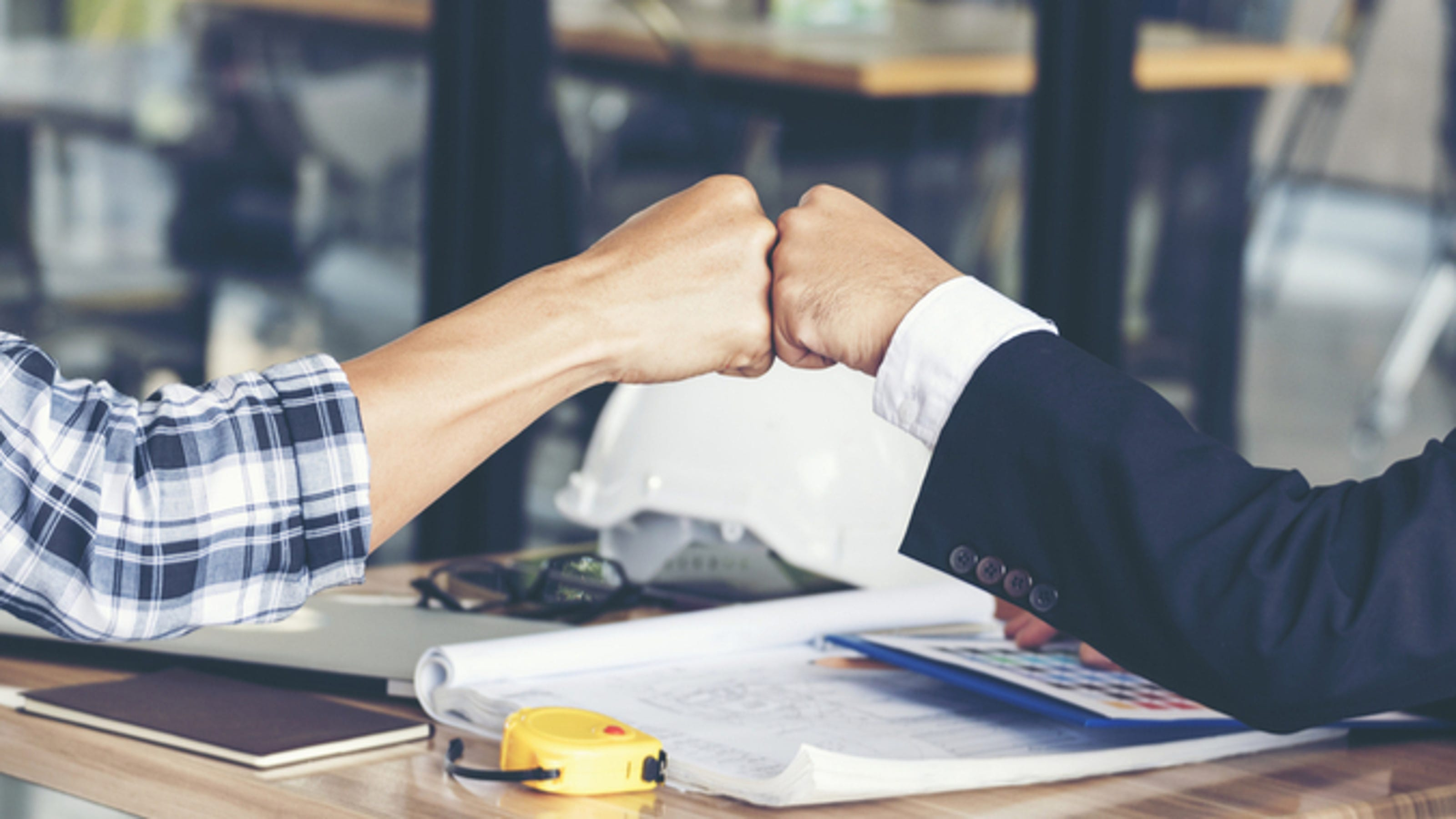 what corporate recruiters look for in The candidate that knows more about the company and the hiring manager and  can  insight 2: figure out what can be done to make recruiters look good.