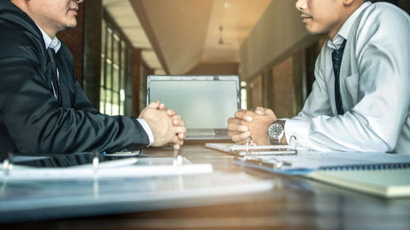4-questions-to-ask-when-negotiating-a-job-offer.jpg