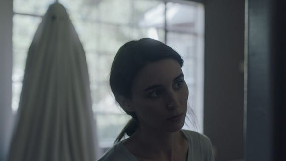 M (Rooney Mara) is haunted by her lover's ghost (Casey