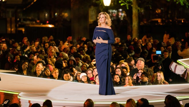 """Trisha Yearwood performs during Fox's """"The Passion."""""""