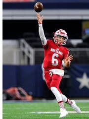 Sweetwater quarterback Chris Thompson (6) throws a pass during the first quarter of Sweetwater's 24-6 loss in the Class 4A Div. II state championship game on Friday, Dec. 16, 2016, at AT&T Stadium in Arlington.