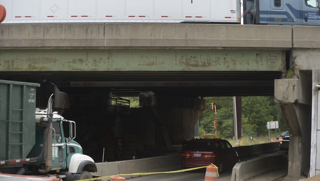 The demolition and replacement of the westbound Interstate 70 bridge spanning New Paris Pike is expected to cause traffic problems beginning Friday night.