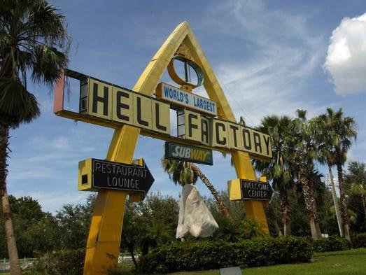Nine Swfl Kitschy Roadside Landmarks