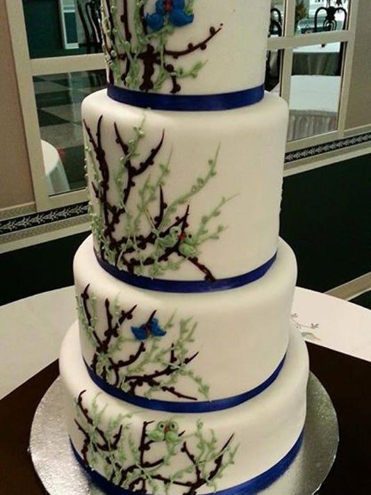 -SBYMag_08-22-2014_ShoreWoman_1_T004~~2014~08~07~IMG_Cake_Art_THIS_ONE_2_1_N.jpg