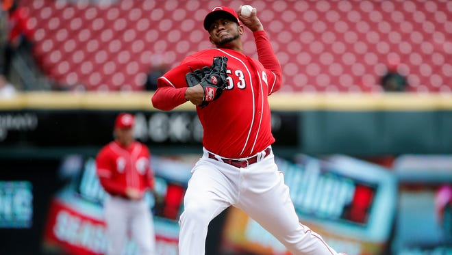 Cincinnati Reds relief pitcher Wandy Peralta (53) delivers in the fourth inning.